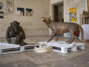 noizette sculpteur animalier dans le gard france sculptures animalieres pierre ciment terre cuite. Black Bedroom Furniture Sets. Home Design Ideas